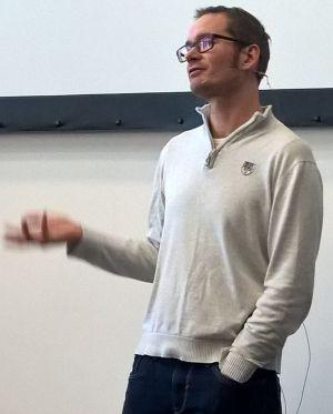 Vortrag von Florian Schoel beim 1. Communityday