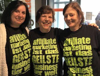 Roswitha mit Gabi Lindemann und Barbara Ruff beim 1. Communityday